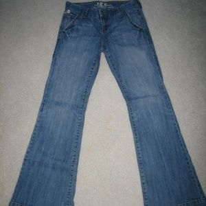 !it Bootcut Trouser style jeans